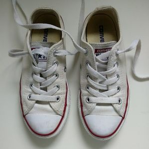 Youth kids white Converse Chuck Taylor All Star
